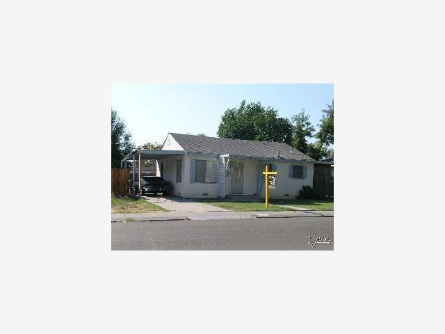 2226 Michigan Avenue Stockton, California 95204, 2 Bedrooms Bedrooms, ,1 BathroomBathrooms,Residential,For Sale,2226 Michigan Avenue,ML80453843