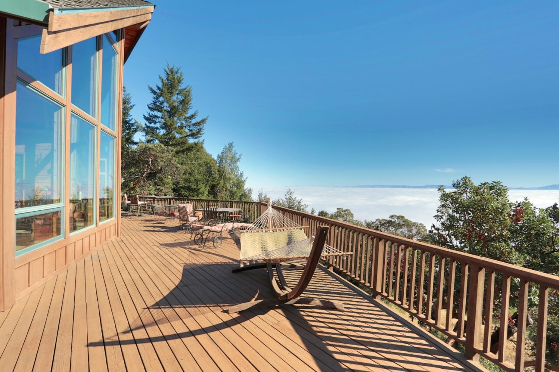 16880 Bohlman Road, Saratoga, CA 95070 $2,400,000 www.norahomes.com ...