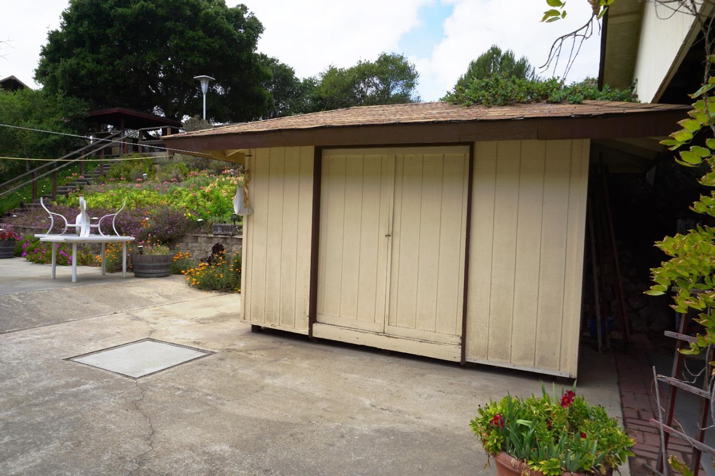 18757 Moro RD, Prunedale, CA 93907 $569,000 Www.elmergmartinez.com  MLS#81466091