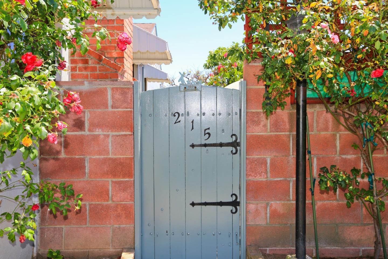 215 Helen Drive, Millbrae, CA 94030 $1,328,899 www.fnrepm.com MLS ...