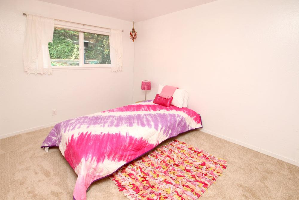160 Ross Road, Aptos, CA 95003 $550,000 www.referralrealty.com MLS ...