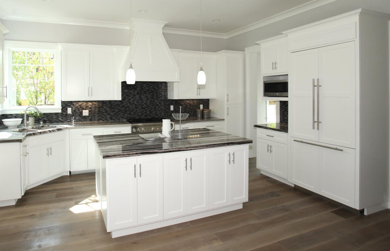 865 Middle Avenue, Menlo Park, CA 94025 $3,275,000 www.hjalali.com ...