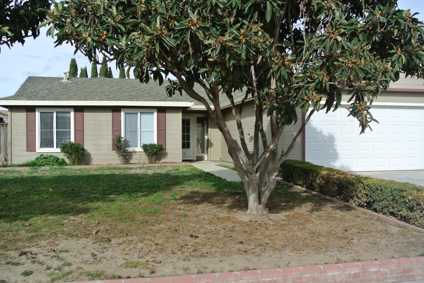 1212 Morris Ave Greenfield Ca 93927 5 Beds 2 Baths Sold