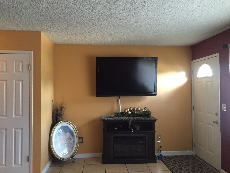 2152 Luz Avenue San Jose Ca 95116 San Jose Well Sized 3bd 15 Bth