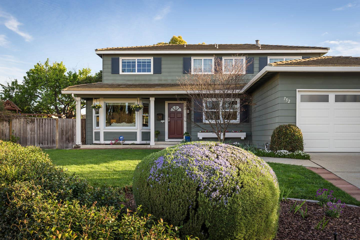 Detail Gallery Image 1 of 1 For 752 Silver Pine Ct, Sunnyvale, CA, 94086 - 5 Beds | 2/1 Baths