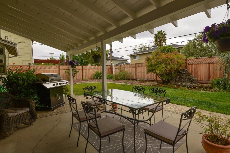 MLS#81579747 $1,450,000 www.dorisvela.com 2575 Hill Park Drive, San ...