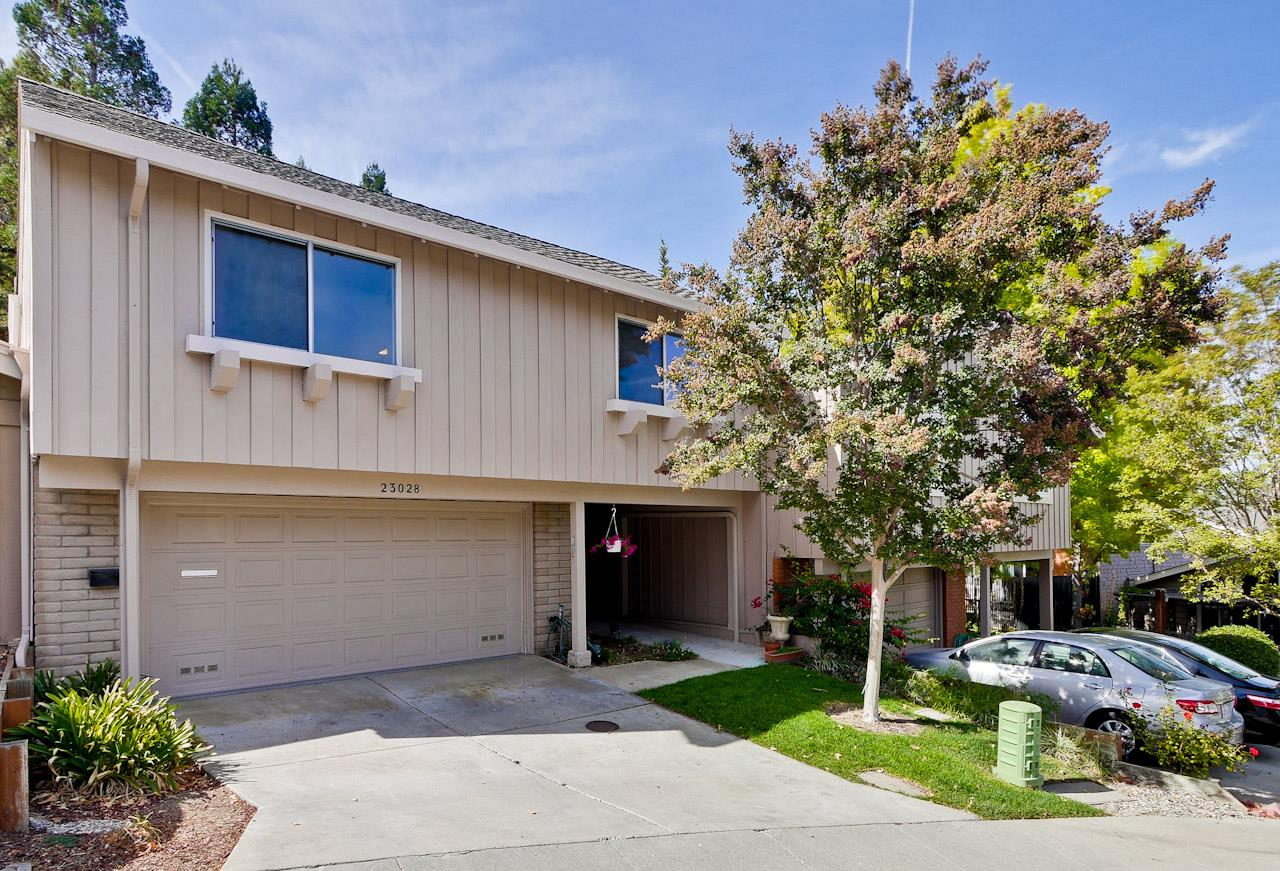 Detail Gallery Image 1 of 1 For 23028 Cricket Hill Rd, Cupertino, CA, 95014 - 3 Beds | 2 Baths