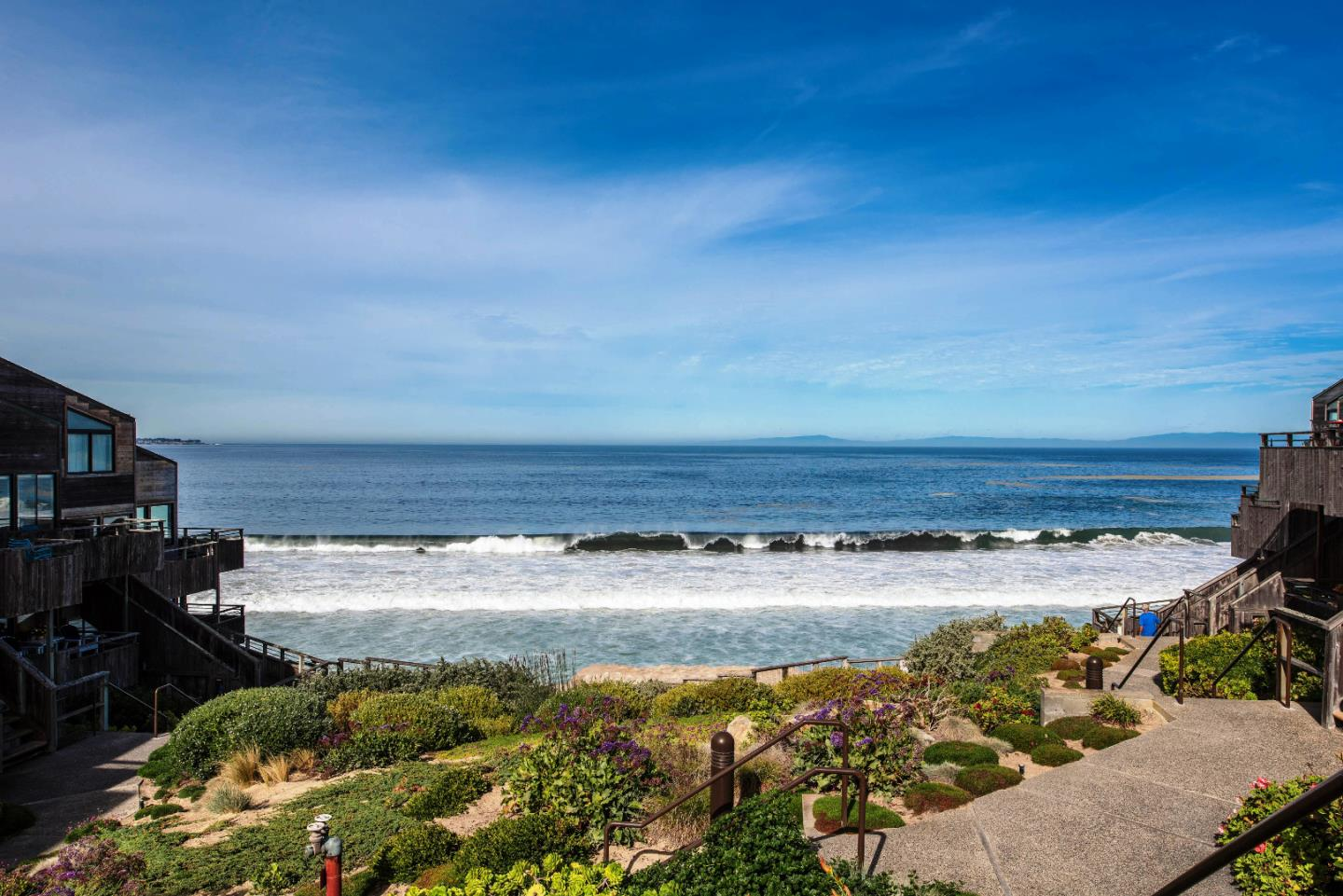 Detail Gallery Image 1 of 21 For 1 Surf Way #137, Monterey, CA, 93940 - 1 Beds | 1 Baths