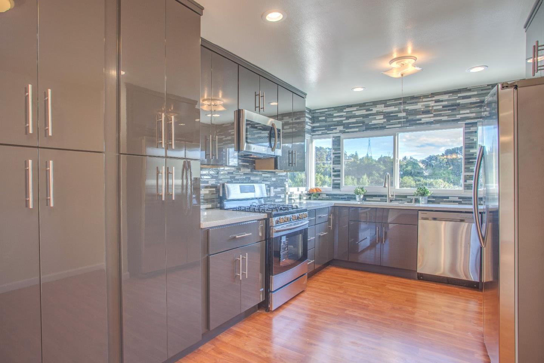 1274 Highland BLVD, Hayward, CA 94542 $599,888 www.vickigeers.com ...