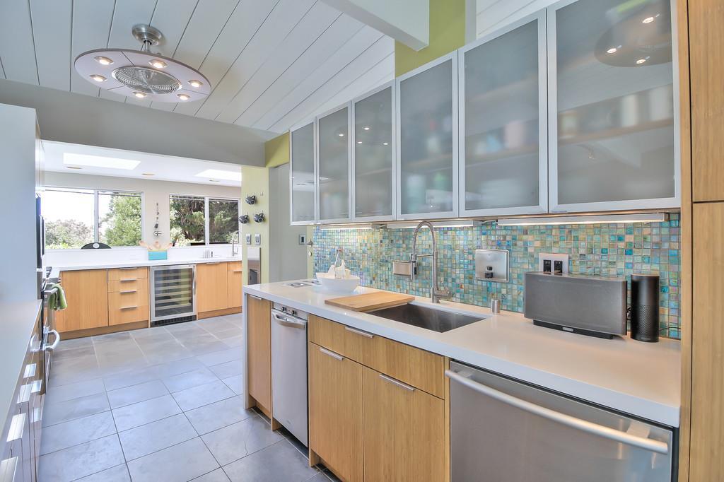 1501 Forge Road, San Mateo, CA 94402 $1,998,000 www.glennsennett.com ...