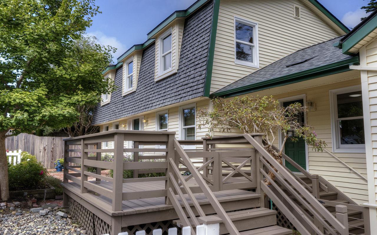 1004 Acacia Street, Montara, CA 94037 $1,099,000 www yarkinrealty
