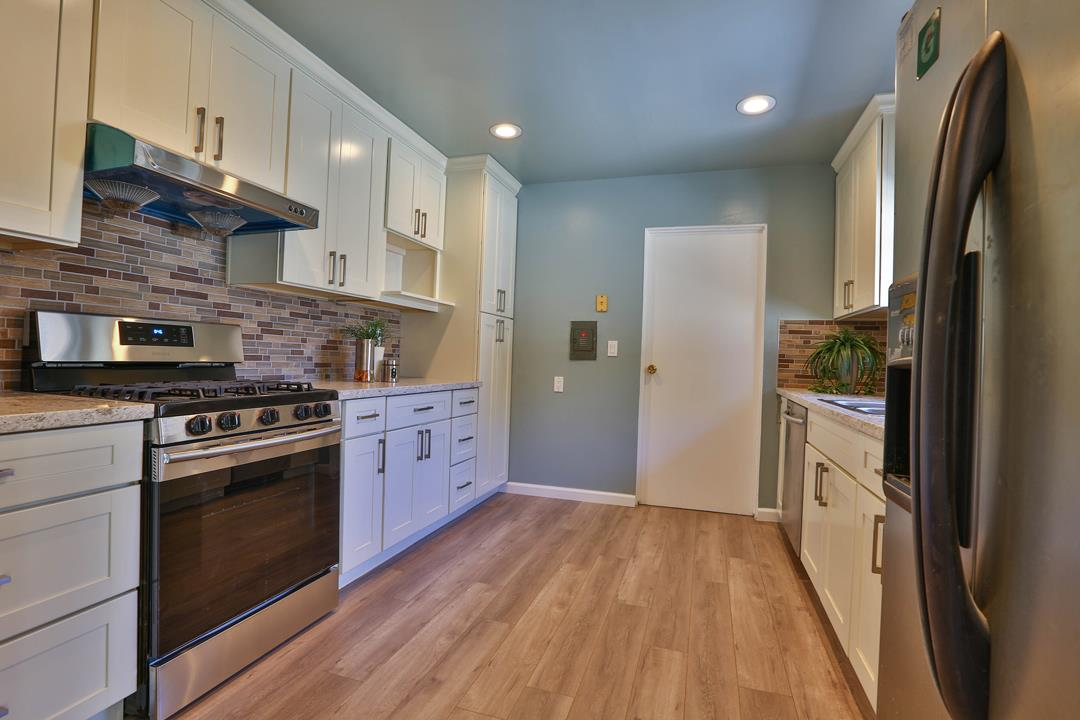 30690 Vanderbilt Street Hayward Ca 94544 Beautiful Corner Lot 4 Bedrooms 3 Baths Located In A Heart Of