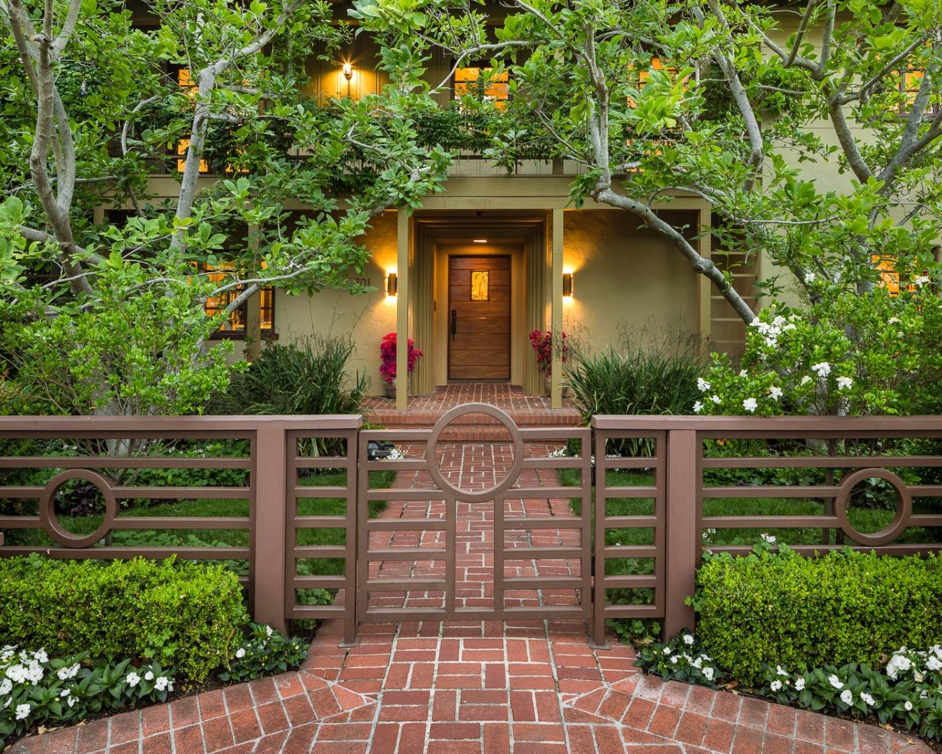Dorable Olive Garden Addison Collection - Beautiful Garden ...