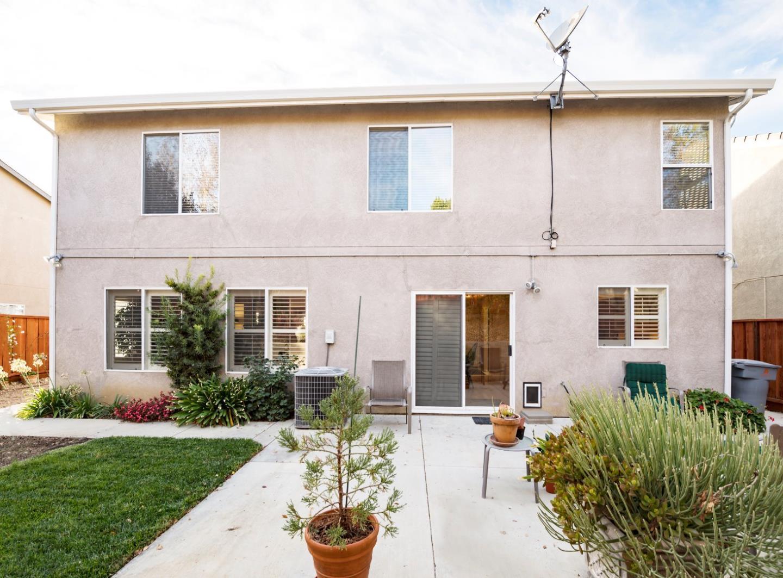 2411 Glenview DR, Hollister, CA 95023 $600,000 www.susanwoods.net ...