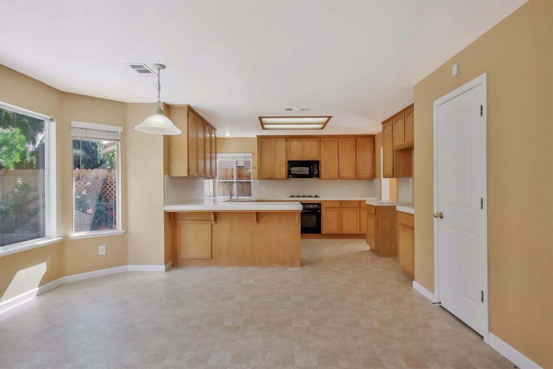 1858 Fir Drive, Los Banos, CA 93635 Los Banos CA $370,000 MLS ...