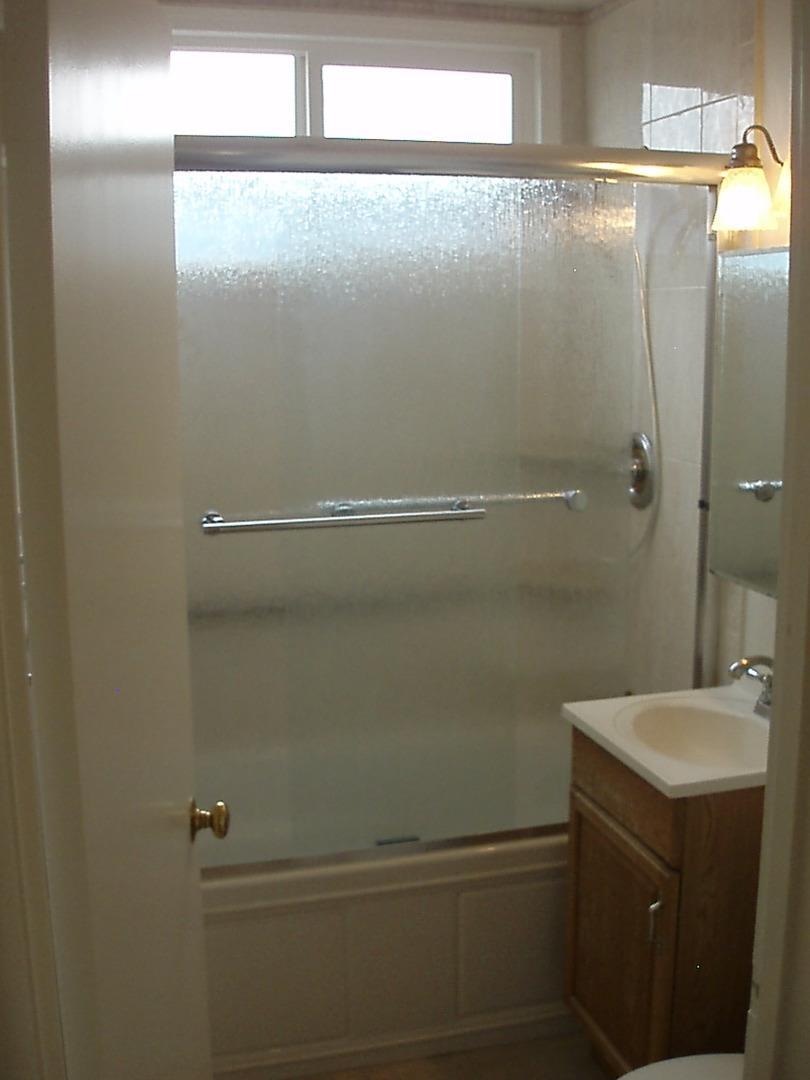 34 Baldwin Avenue, Daly City, CA 94015 $899,000 www.landmarkrs.com ...