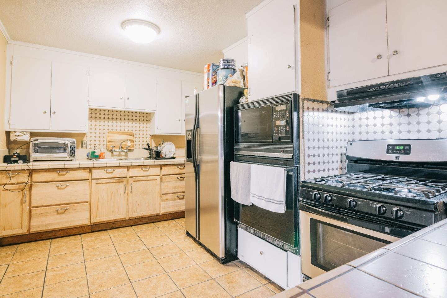 28448 Cole Place Hayward Ca 94544 Spacious Home In One Of The Most Accessible Locations Bay Area Conveniently Located Near Schools