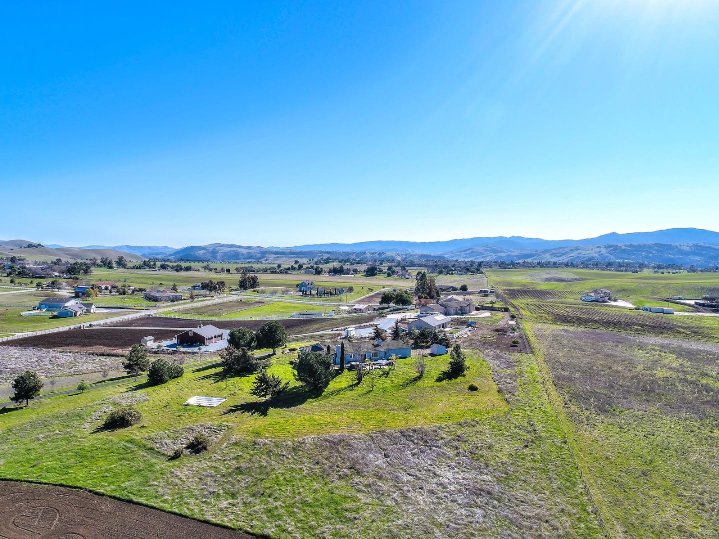 550 Heatherwood Estates Drive Hollister, CA 95023 - MLS #: ML81691740