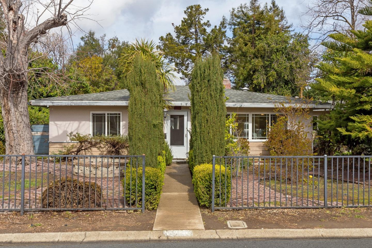 Detail Gallery Image 1 of 1 For 18621 Bucknall Rd, Saratoga,  CA 95070 - 3 Beds | 1/1 Baths