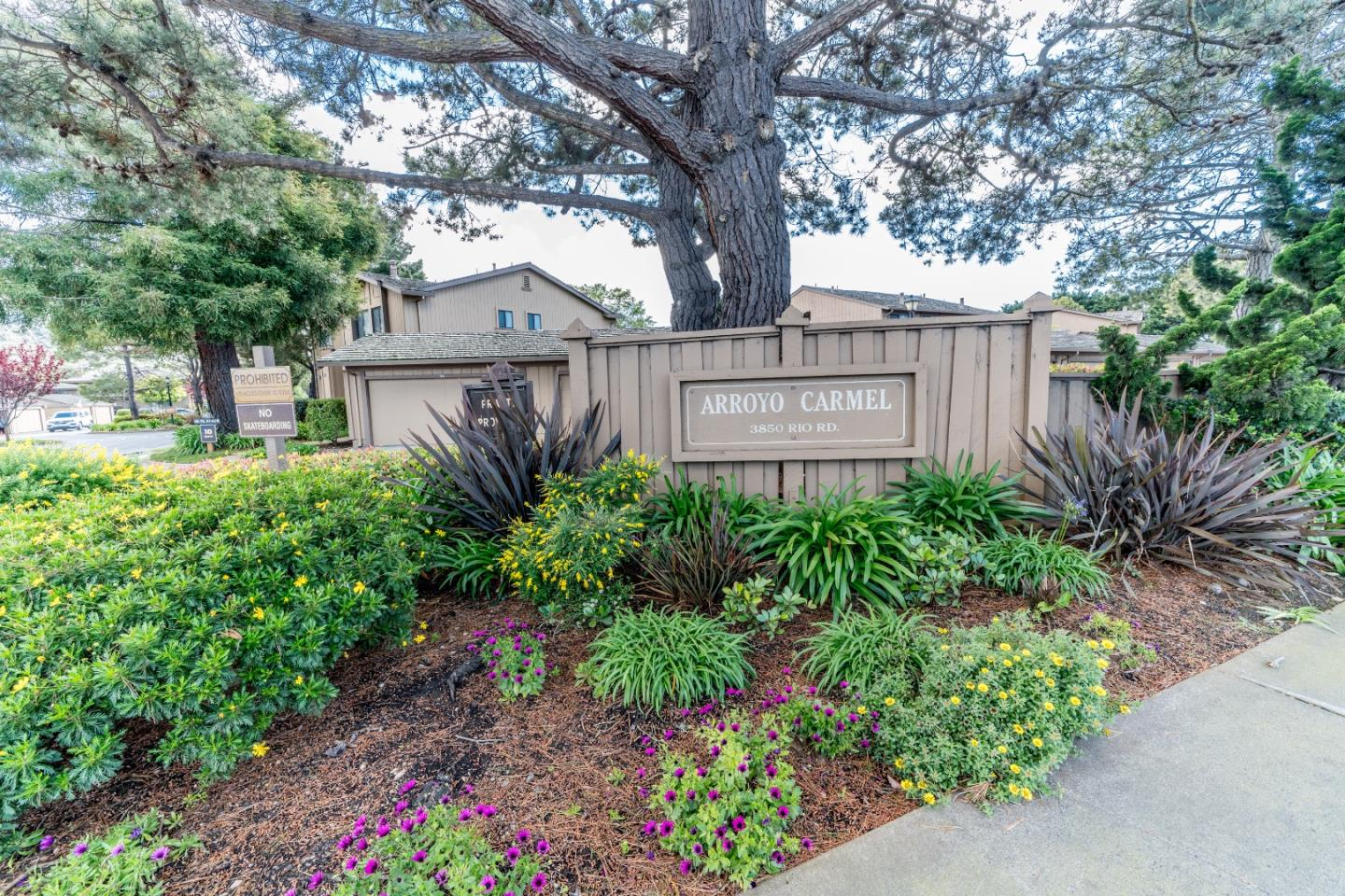 Detail Gallery Image 1 of 1 For 3850 Rio Rd #52,  Carmel,  CA 93923 - 2 Beds | 2 Baths