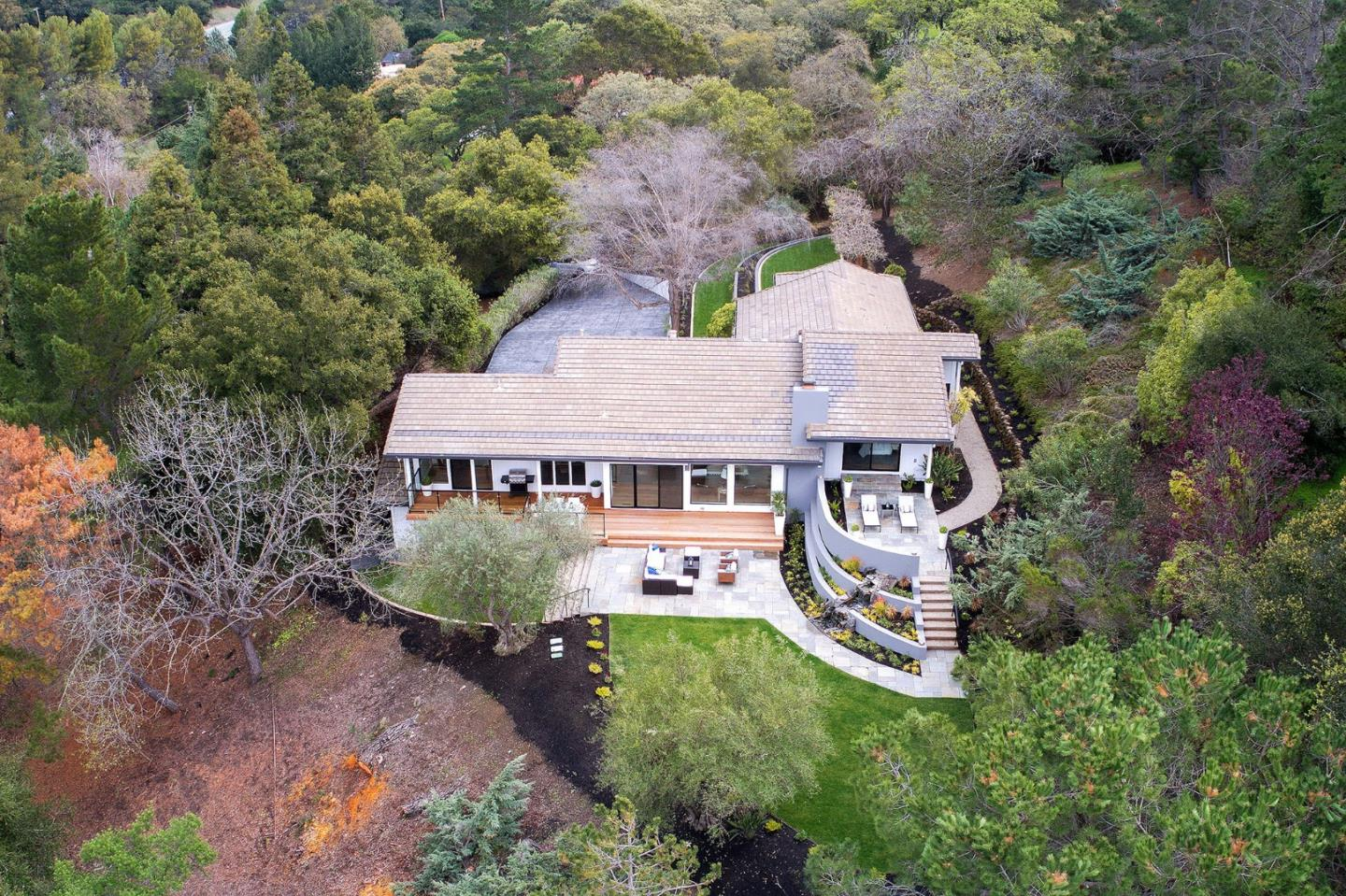 Detail Gallery Image 1 of 1 For 10885 W Loyola Dr, Los Altos Hills, CA, 94024 - 4 Beds | 4 Baths