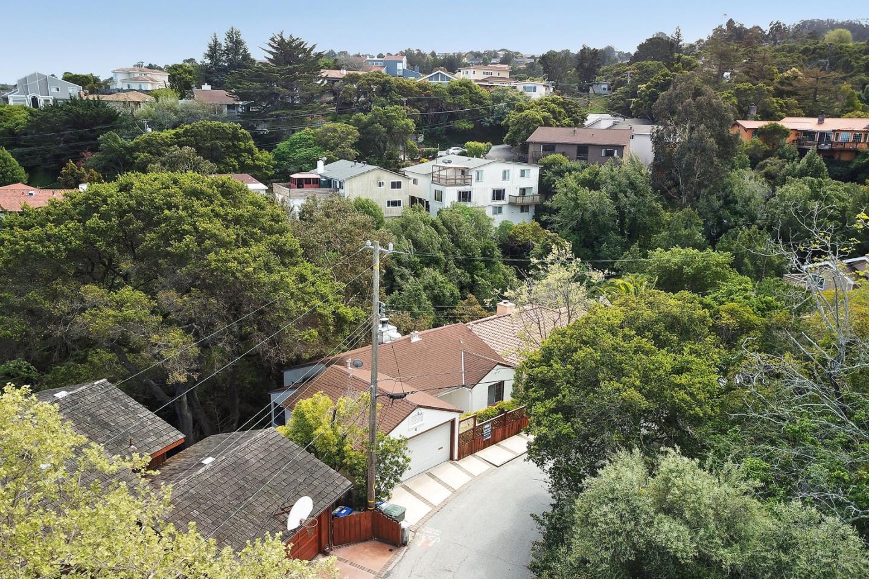 Single Family Home for Sale at 11 Via Canon 11 Via Canon Millbrae, California 94030 United States