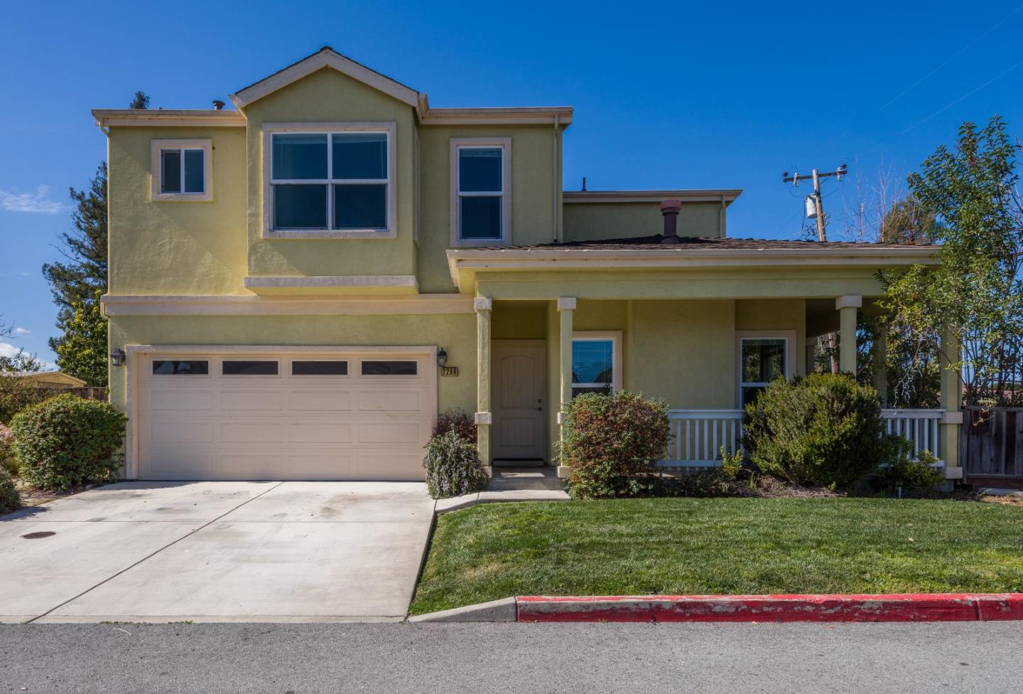Detail Gallery Image 1 of 15 For 2289 Tuscany Ct, East Palo Alto, CA, 94303 - 4 Beds | 2/1 Baths