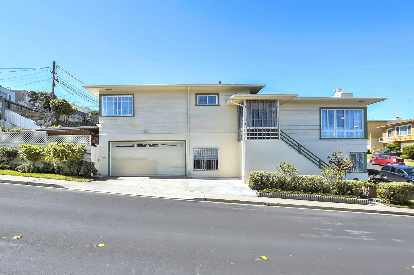 Single Family Home for Sale at 272 Skyline Drive 272 Skyline Drive Daly City, California 94015 United States
