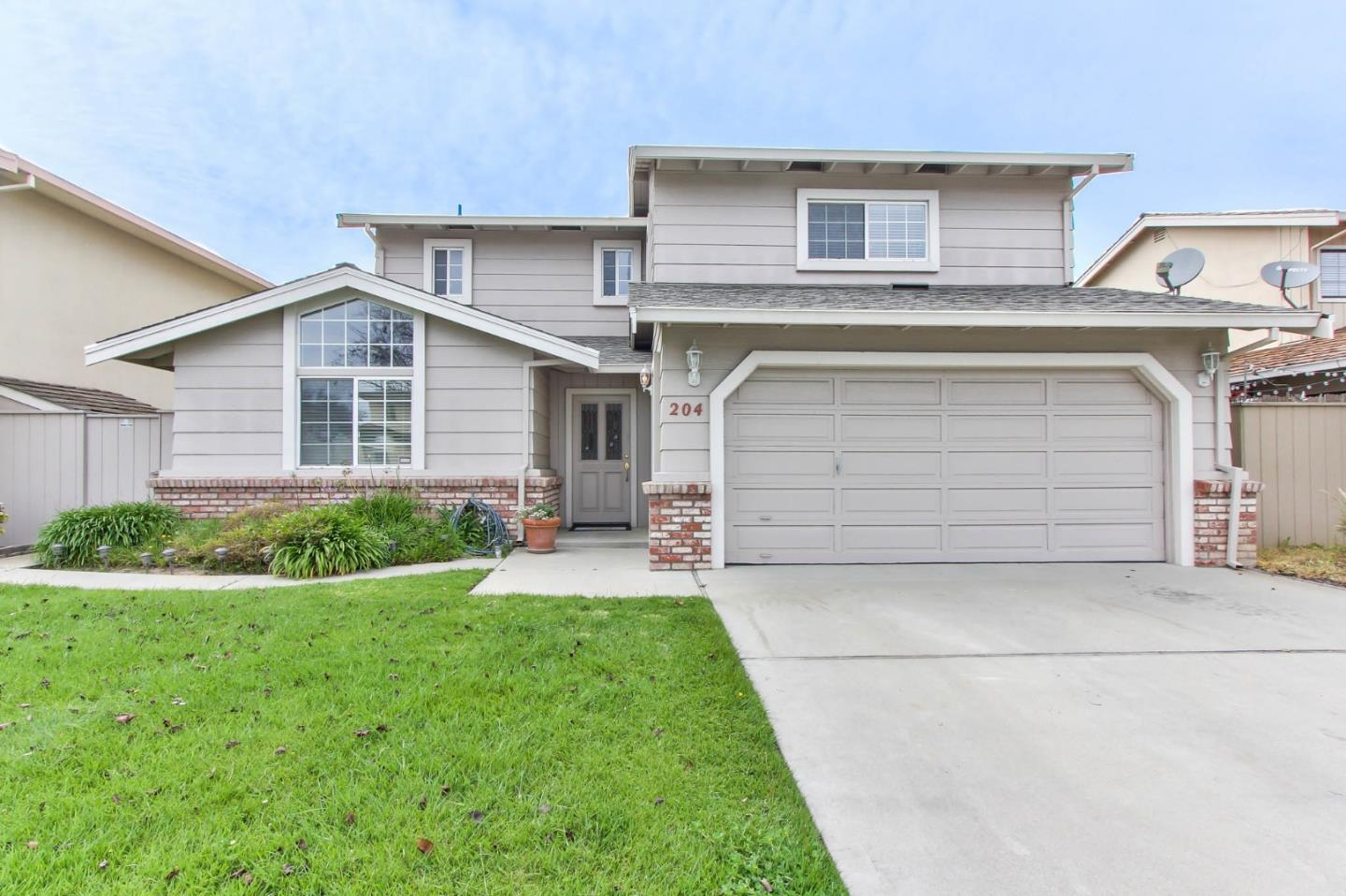 Detail Gallery Image 1 of 1 For 204 Massolo Ct, Salinas,  CA 93907 - 3 Beds   3 Baths