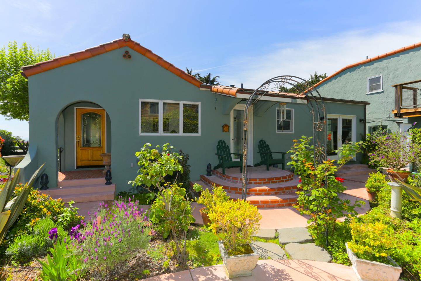 113 4TH AVE, SANTA CRUZ, CA 95062