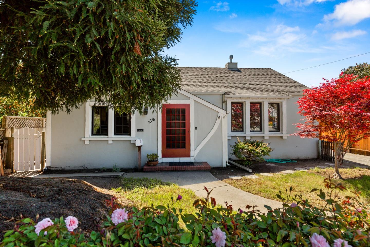 Detail Gallery Image 1 of 1 For 638 E 5th St, Watsonville, CA 95076 - 2 Beds | 2 Baths