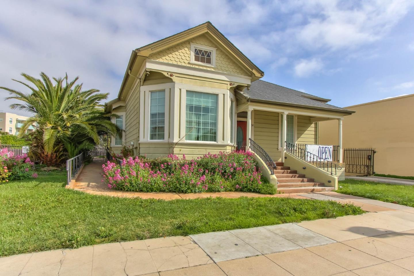 Detail Gallery Image 1 of 1 For 30 Central Ave, Salinas, CA, 93901 - 3 Beds | 2 Baths