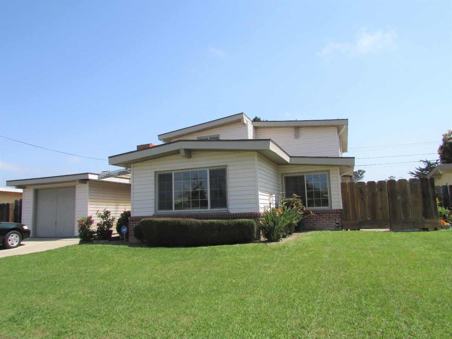 Detail Gallery Image 1 of 1 For 449 Carol Dr, Salinas, CA, 93905 - 5 Beds | 2 Baths