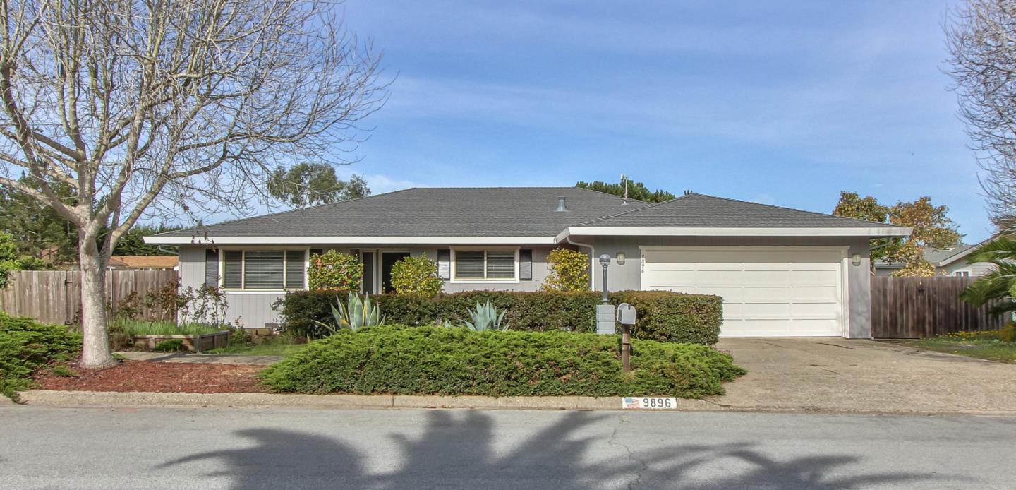 Detail Gallery Image 1 of 1 For 9896 Brome Trl, Salinas,  CA 93907 - 3 Beds | 2 Baths
