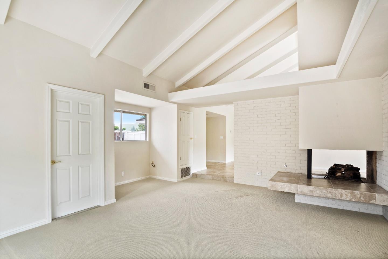 22318 Capote Drive, Salinas, CA 93908 $740,000 www.keytothebay.com ...