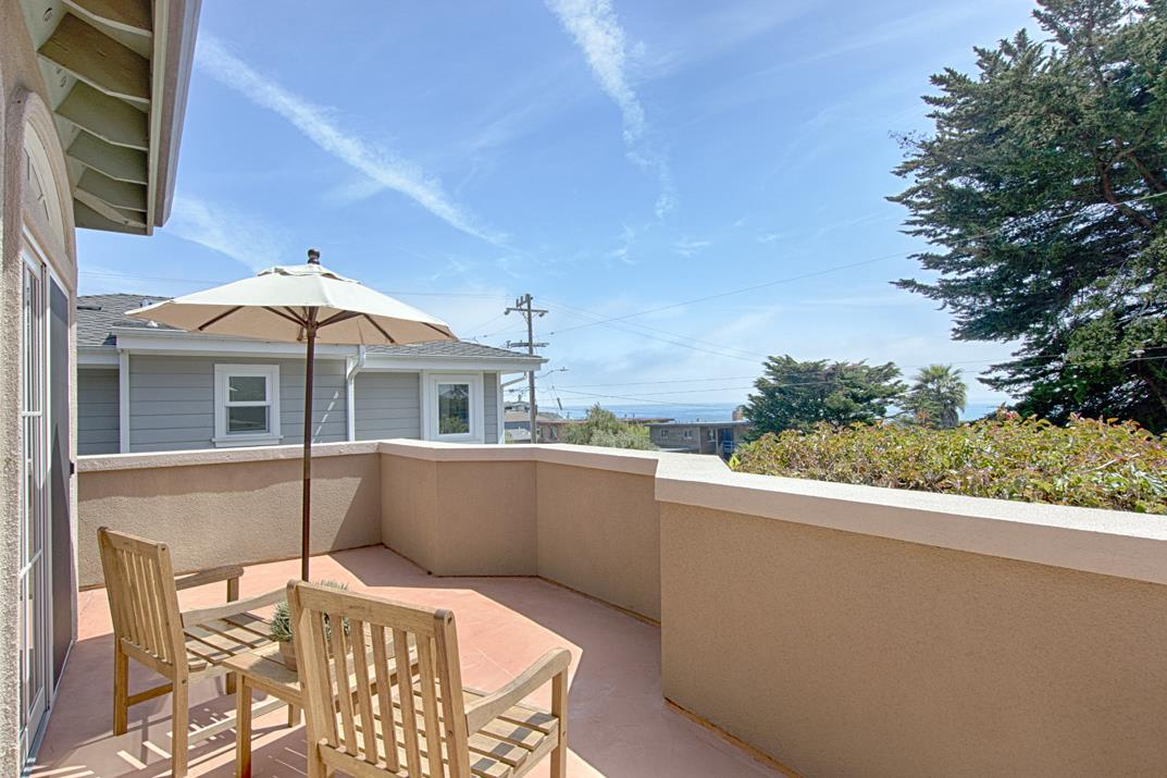 21921 Ea Cliff Drive Santa Cruz, CA 95062 - MLS #: ML81703325