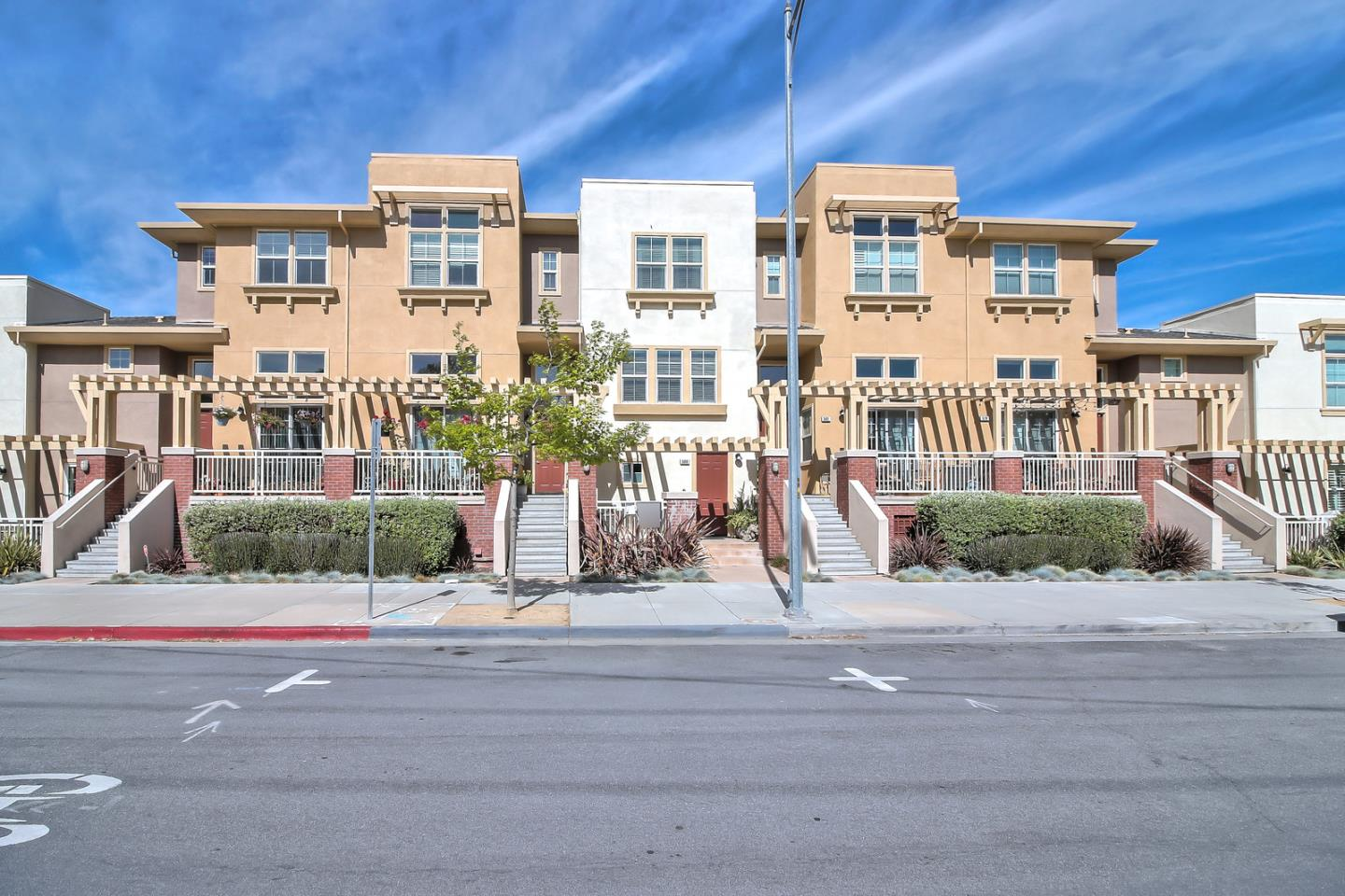 Detail Gallery Image 1 of 1 For 586 N 7th St, San Jose,  CA 95112 - 2 Beds | 2/1 Baths