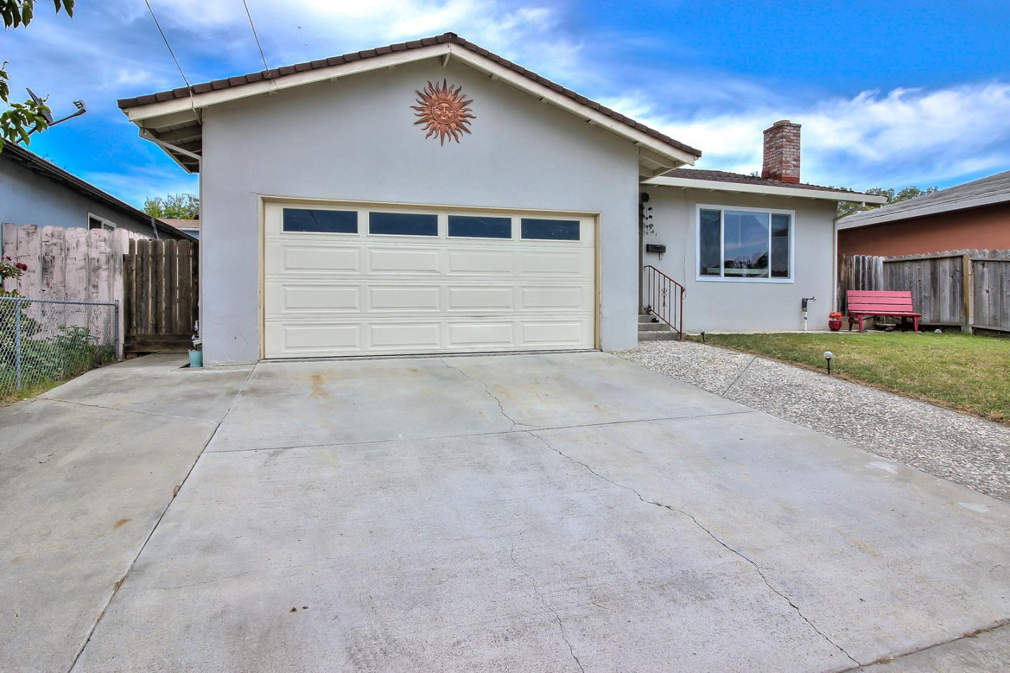 941 Suiter Street, Hollister, CA, 95023 | Better Homes and Gardens ...