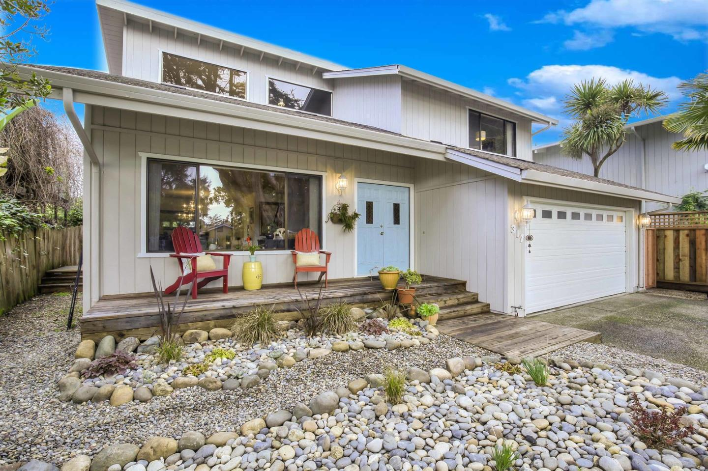 Detail Gallery Image 1 of 1 For 317 Cliff Dr, Aptos, CA 95003 - 4 Beds | 2/1 Baths