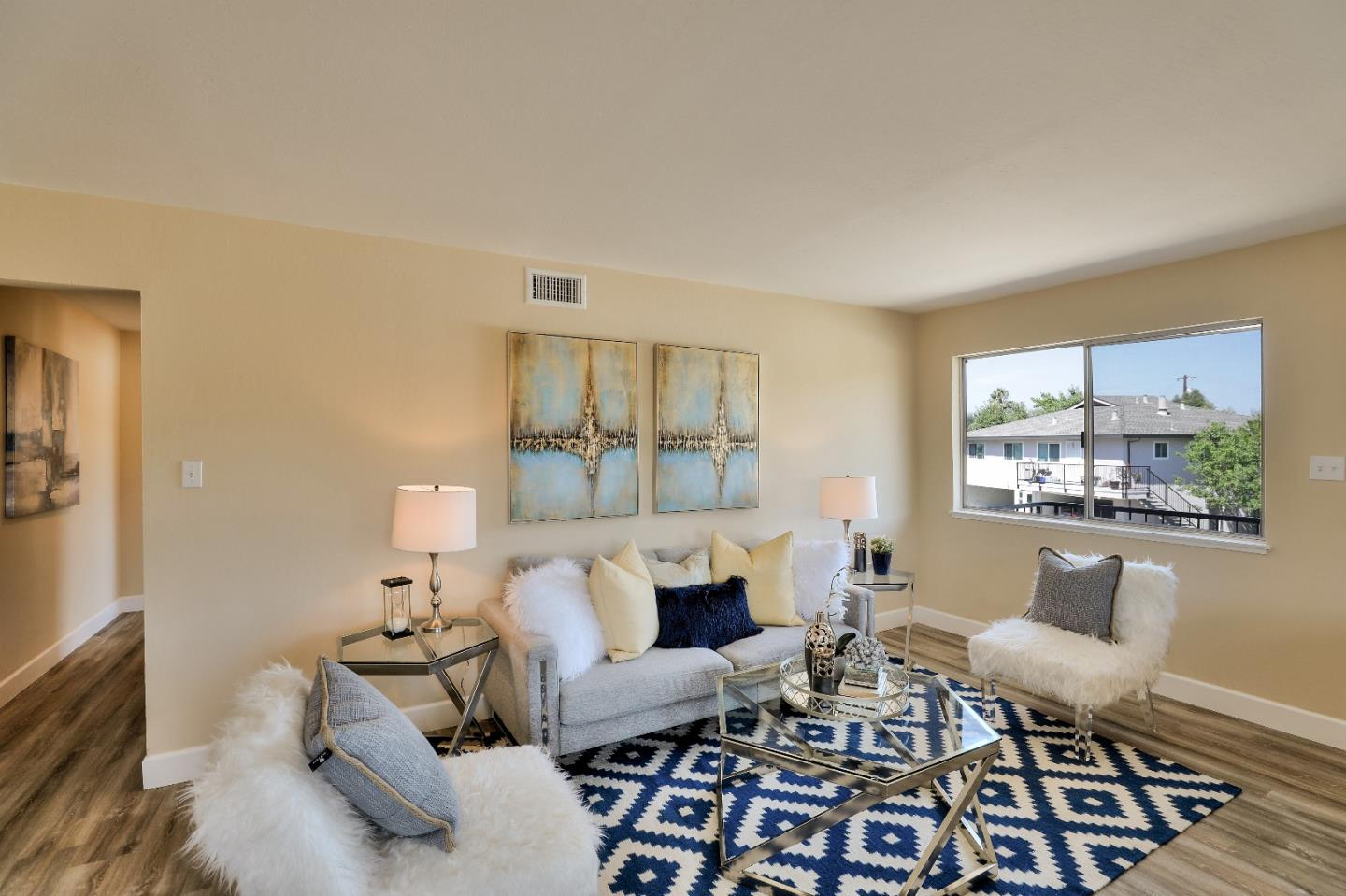 Detail Gallery Image 1 of 1 For 1347 Scossa Ave #4,  San Jose,  CA 95118 - 2 Beds | 1 Baths
