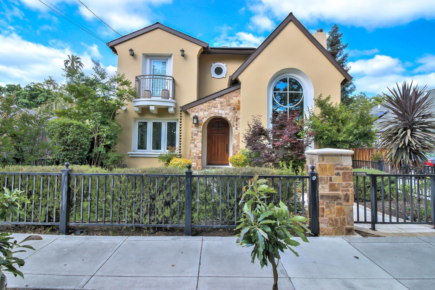 Detail Gallery Image 1 of 1 For 1296 Bird Ave, San Jose,  CA 95125 - 4 Beds   3 Baths