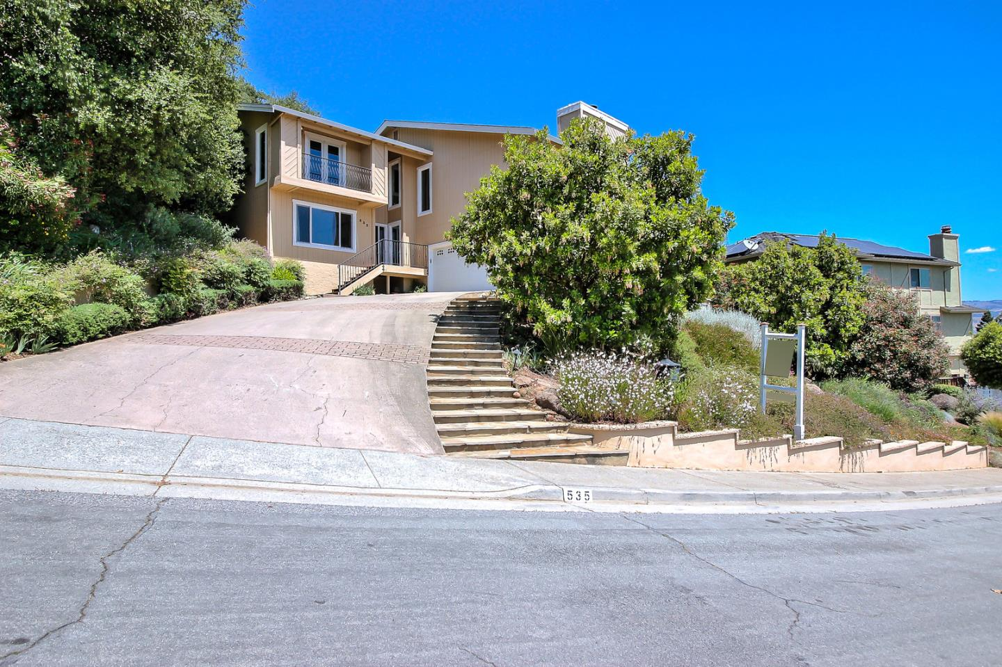 Detail Gallery Image 1 of 1 For 535 Bonnie View Ct, Morgan Hill,  CA 95037 - 4 Beds | 2/1 Baths