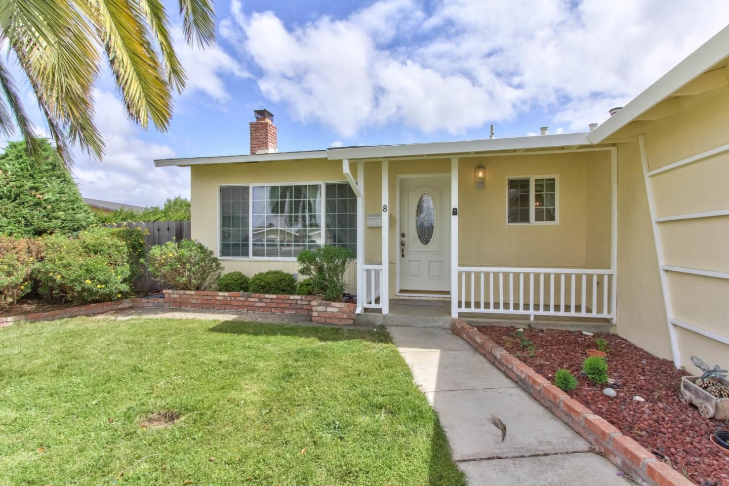Detail Gallery Image 1 of 1 For 8 Tahoe Cir, Salinas,  CA 93906 - 3 Beds   2 Baths