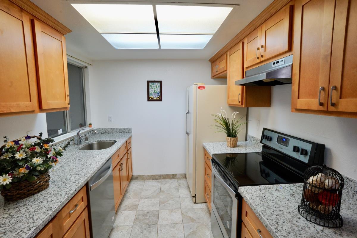 891 W California Avenue #unit N Sunnyvale CA 94086 $769888 .streesv.com MLS#81709954 & 891 W California Avenue #unit N Sunnyvale CA 94086 $769888 www ...