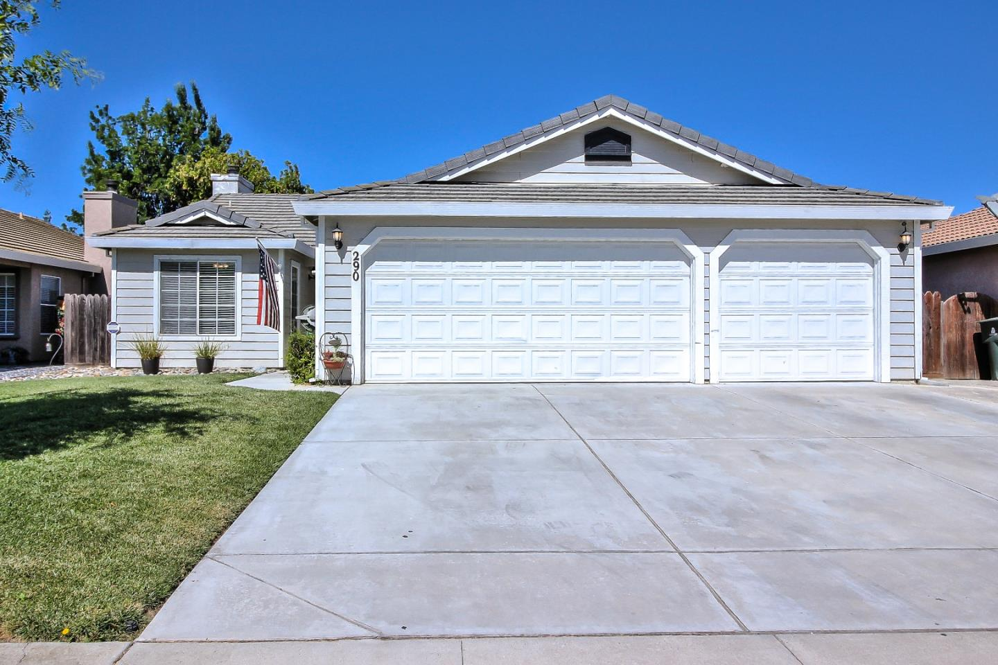 Detail Gallery Image 1 of 1 For 290 San Tropez Dr, Hollister, CA 95023 - 3 Beds | 2 Baths