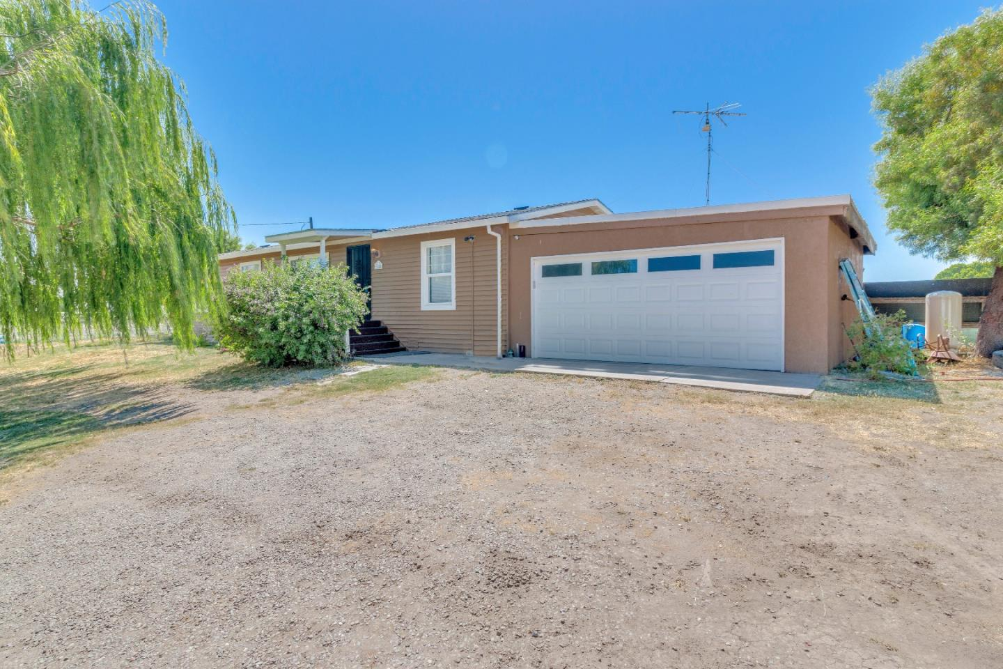 Detail Gallery Image 1 of 1 For 888 Critchett Rd, Tracy, CA, 95304 - 3 Beds | 2 Baths