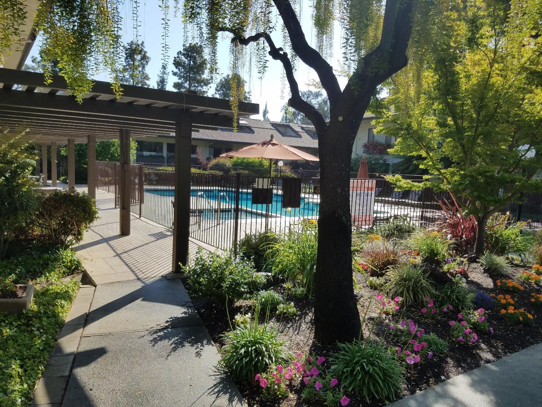 2140 Santa Cruz Avenue Unit B102 Menlo Park, CA 94025 - MLS #: ML81710646