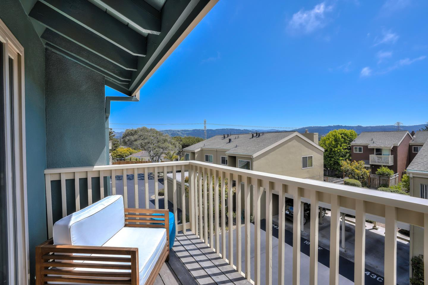 Detail Gallery Image 1 of 1 For 1047 Highland St #G,  Seaside,  CA 93955 - 2 Beds | 1/1 Baths