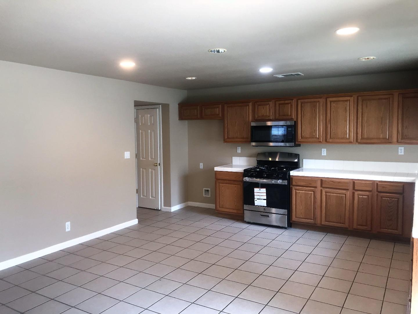 2369 S FALLBROOK DR, LOS BANOS, CA 93635  Photo 8