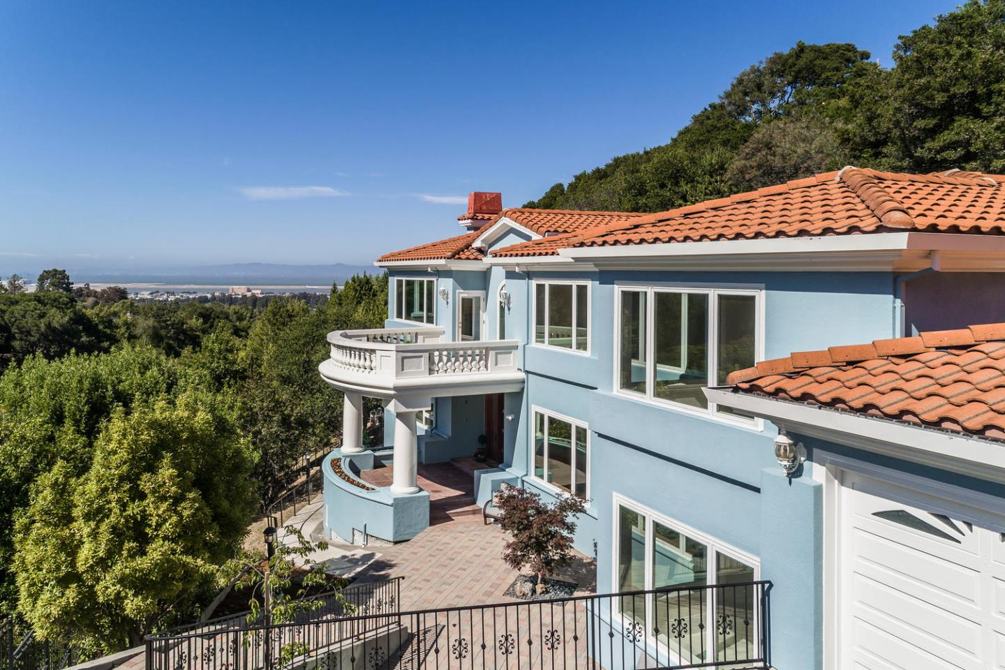 2652 Summit DR, Burlingame, California